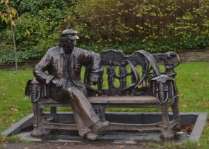 Spike Milligan statue in Finchley